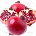 عکس با کیفیت انار های سالم و نصف شده قرمز در پس زمینه سفید