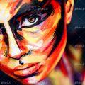 عکس با کیفیت صورت زن از نمای نزدیک با گریم رنگارنگ